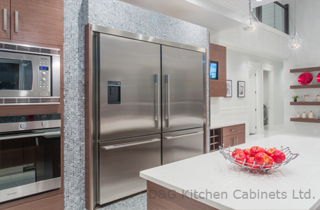 Modern kitchen design using stainless steel