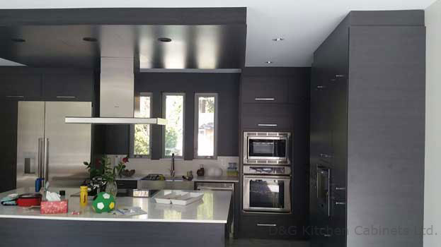 morden Faux Panels with black and grey color paneling